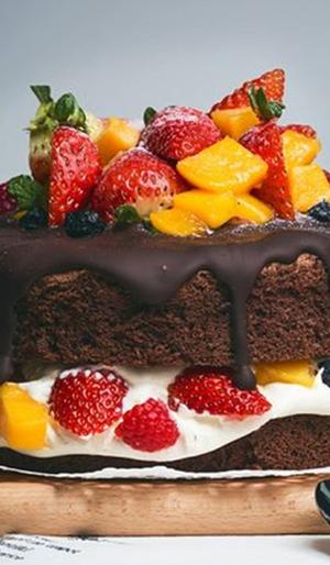 巧克力水果蛋糕